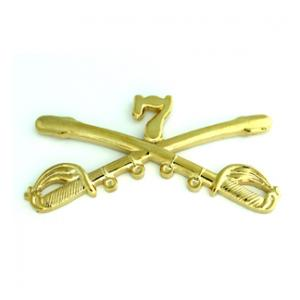7th Cavalry Crossed Sabers Pin