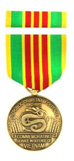 Vietnam Defense Commemorative Medal & Ribbon Cased